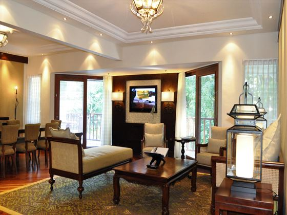 The Laguna Resort & Spa Hotel Deluxe Executive Suite living room