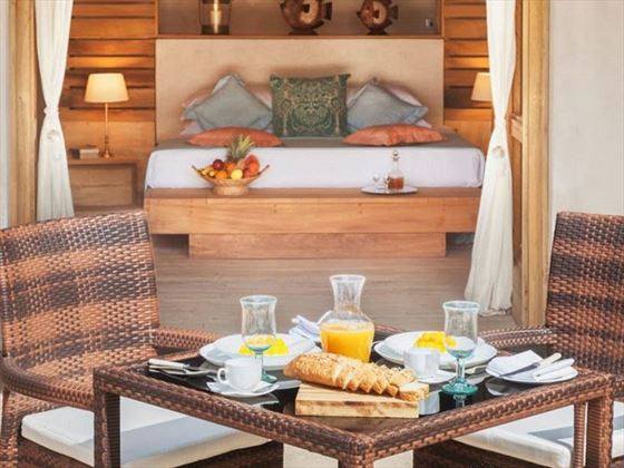 Al fresco breakfast at The Ocean Spa Lodge
