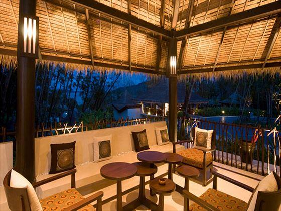 The Vijitt Resort lobby