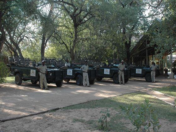 Thornybush Game Lodge vehicles