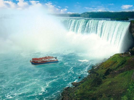 Legendary boat tour of Niagara Falls