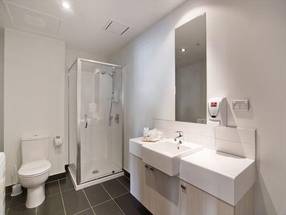Waldorf Stadium Apartments bathroom