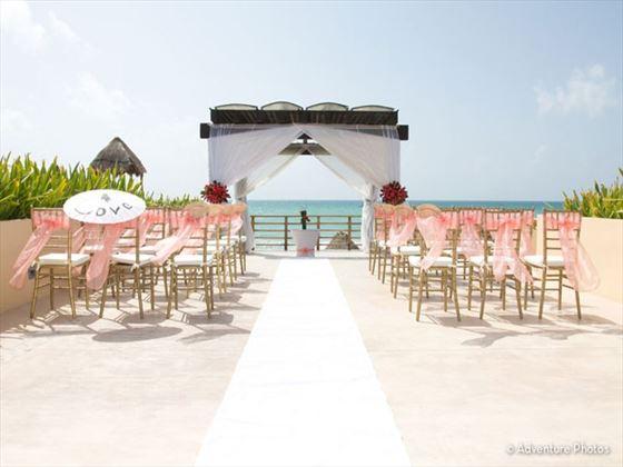 Now Jade Riviera Cancun wedding arch