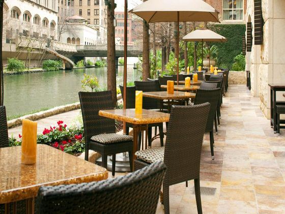 Zocca Restaurant along the Riverwalk