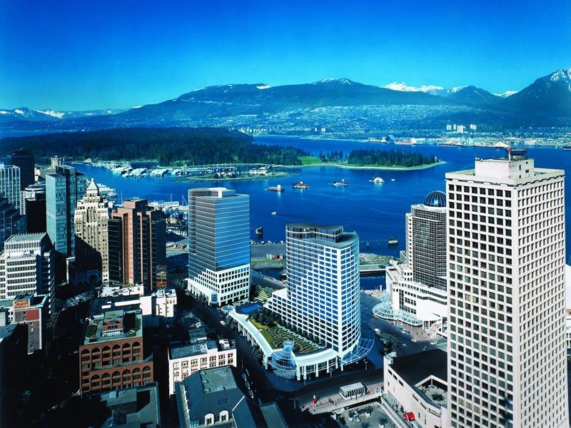 Fairmont Waterfront Vancouver exterior