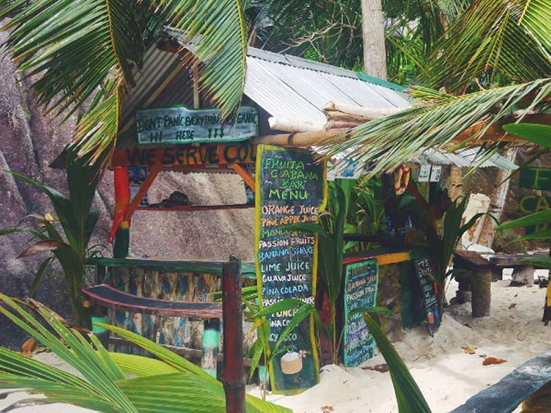 anse de l source tiki bar