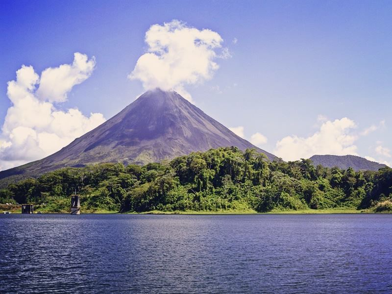 arenal volcano lake costa rica