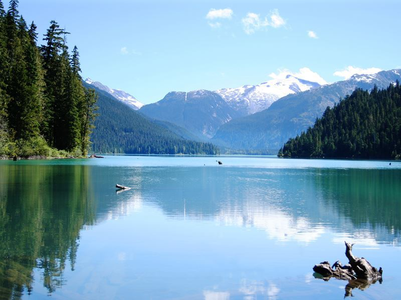 canada lake holidays