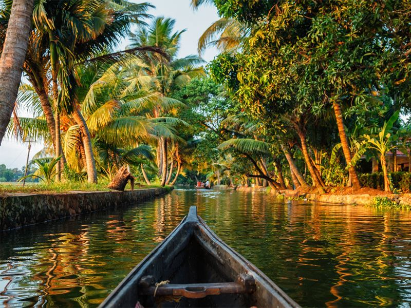 canoe along kerala backwaters