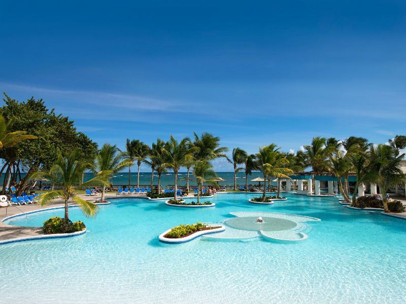 coconut bay splash pool