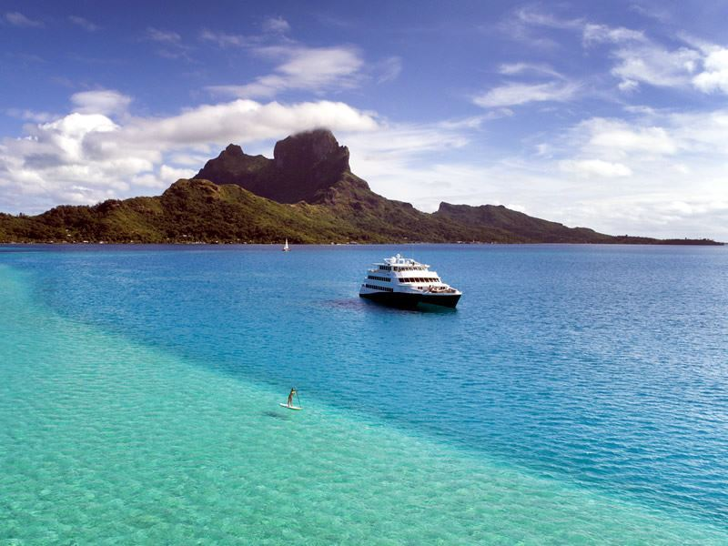 cruising in tahiti
