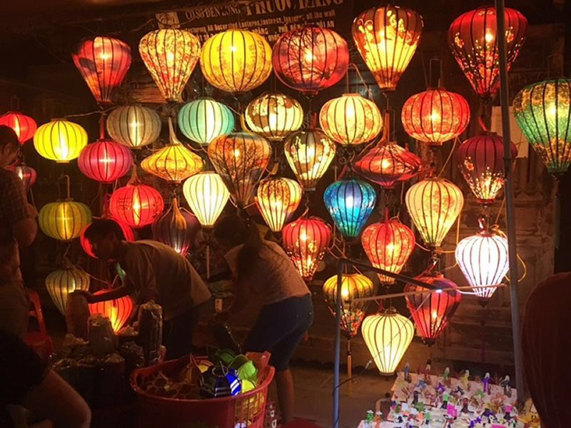 lanterns for sale in hoi an