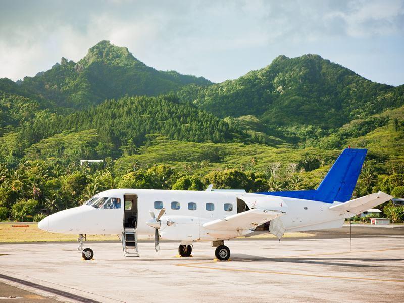 propeller plane rarotonga airport