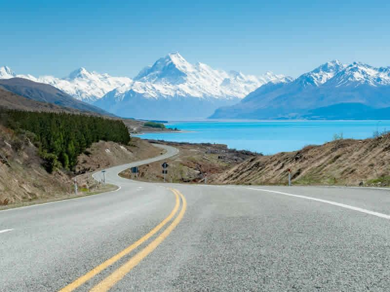 road view mt cook canterbury new zealand