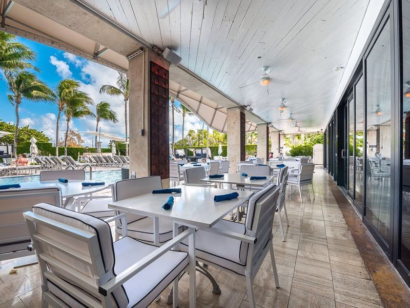 santorini greek restaurant south beach miami