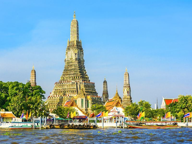 wat arun along the chao phraya river